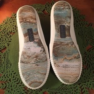 Sperry Shoes - Sperry BNWT 7.5 white canvas women's slip on boat